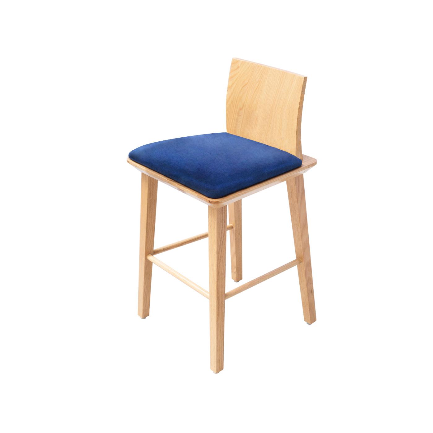 Mukō Blue Light Bar Chair